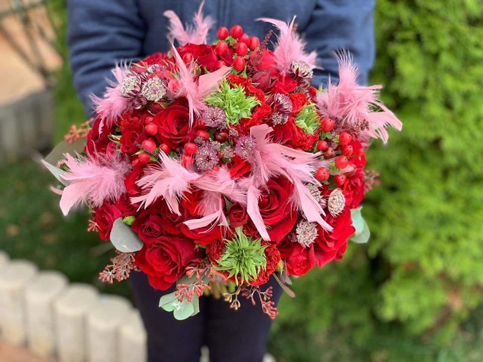 Atelierul cu flori si cadouri