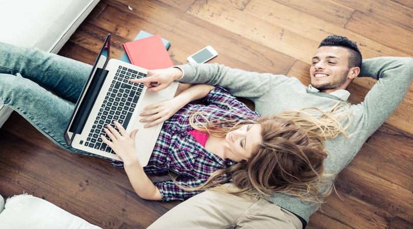 Ajutor ma casatoresc!  - MAC Florea - Care sunt primii pași pe care un cuplu logodit trebuie să-i facă pentru a începe cu dreptul organizarea nunții lor?