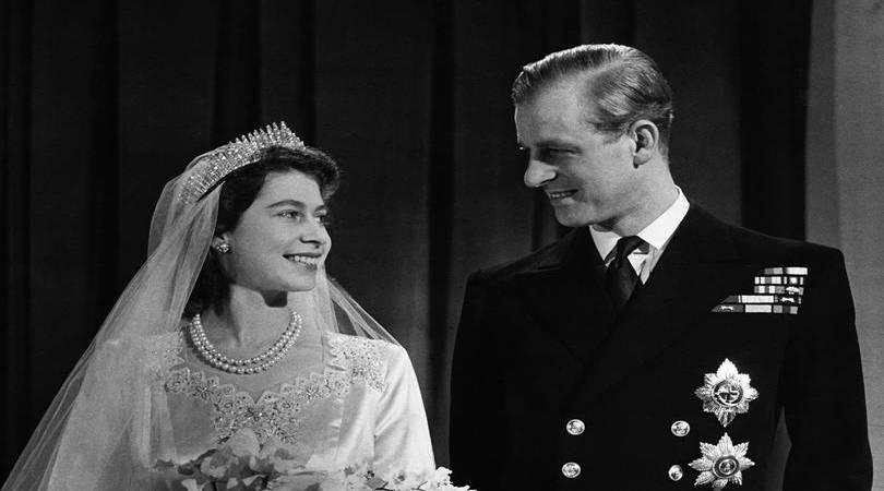 Ajutor ma casatoresc!  - MAC Florea - Cine ar fi crezut? Prințul Philip și-a purtat toată viața pantofii de la nuntă!