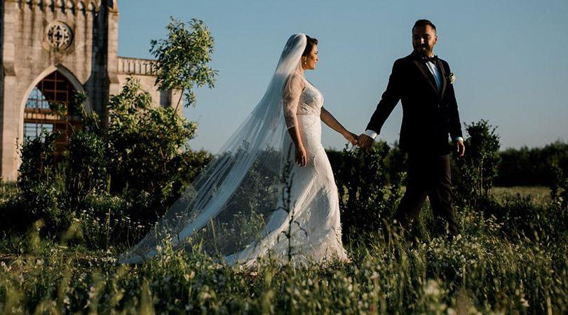 Ajutor ma casatoresc!  - MAC Florea - Cum sa planifici cea mai tare nunta si sa fii sigur ca n-ai uitat nimic
