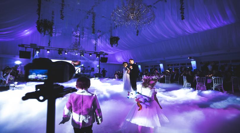 Ajutor ma casatoresc!  - MAC Florea - Cum să faci din dansul mirilor un moment de emoție autentică și memorabilă pentru toți invitații