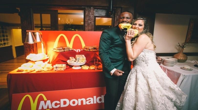 Ajutor ma casatoresc! - MAC Florea - Nuntă la fast food? Pro sau contra? Amuzant sau riscant?